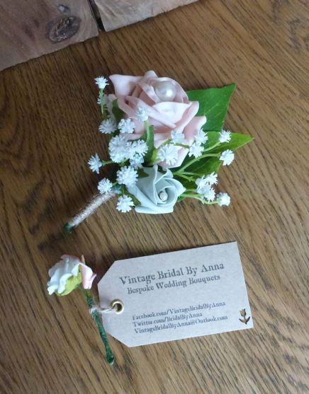 Artificial flower buttonhole
