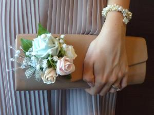 Clutch bag pearl rose corsage