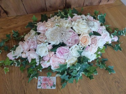 pastel top table flowers