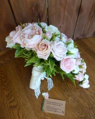 Pearl pink and ivory teardrop wedding bouquet