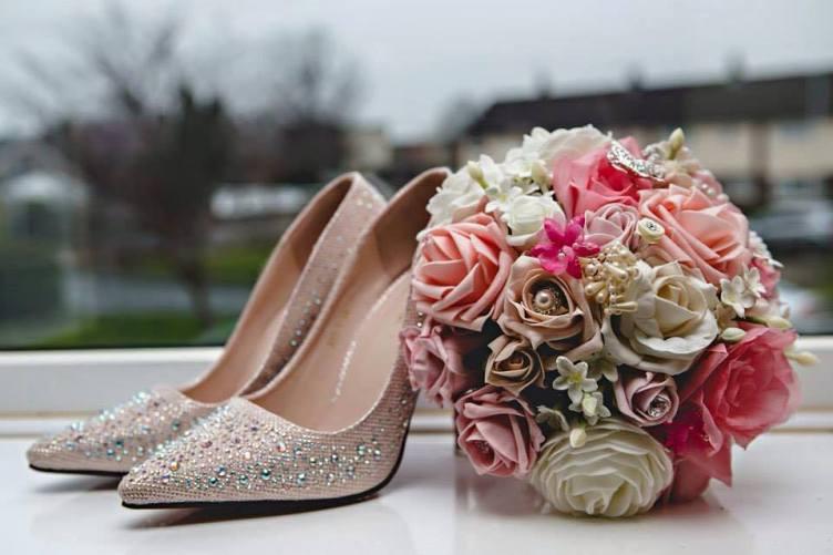 Pink rose foam wedding bouquet shoe