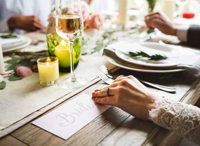 bride wedding dinner