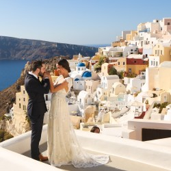 getting married in Santorini make happy memories