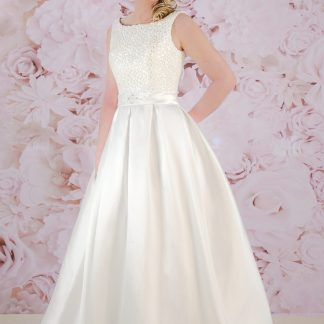 BL185 Ivory bridal gown by Victoria Kay