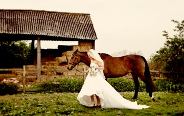 A Heart Warming Equestrian Bridal Shoot