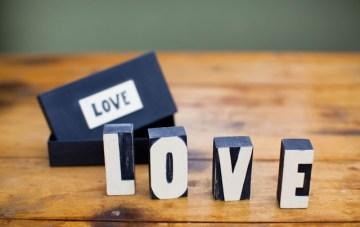 Very Fabulous Indeed: Wedding Decor & Gifts
