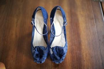 navy blue wedding shoes | brett arthur photography
