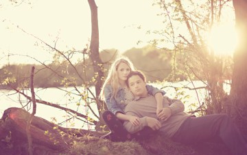 A Dreamy, 'Sitting In A Tree' Engagement Shoot