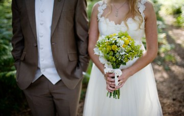 green and yellow wedding bouquet   jade alana photography