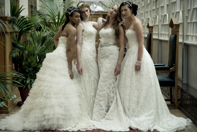 Romantic Vintage Lace Wedding Dresses Inspiration Shoot