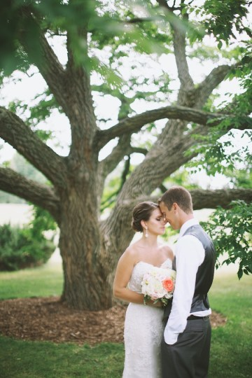 Elegant Navy and Coral Wedding | Simply Jessie Photography 22