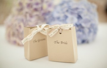 Pretty Pastel English Garden Wedding | Yellow Bird Photography 9
