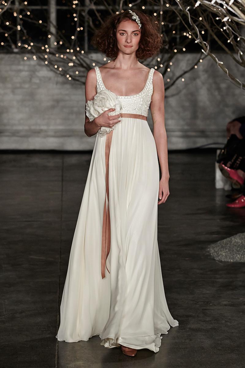 vestido de noiva com fita de cetim
