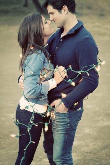 Christmas Campervan Engagement Shoot | Valorie Darling Photography | Bridal Musings Wedding Blog 9