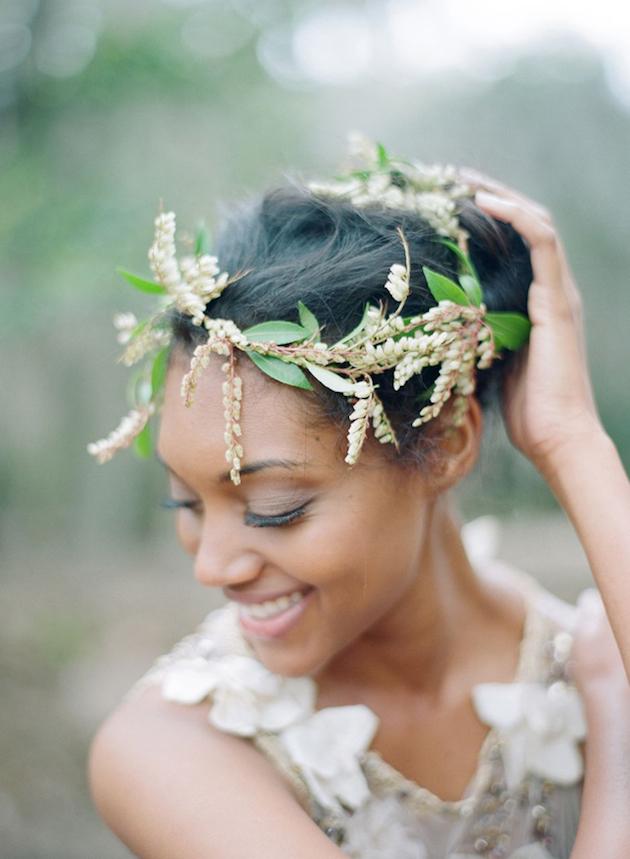 15 ideas for Fresh Flower Wedding Hair | Bridal Musings Wedding Blog 2