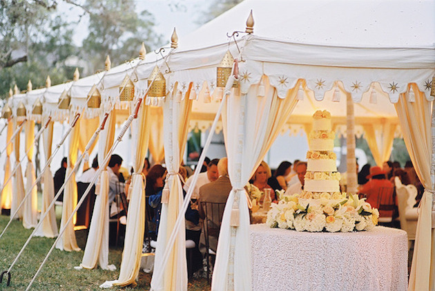 Ultimate-Guide-To-Wedding-Tents-Marquees-Yurts-Tipis-Bridal-Musings-Wedding-Blog-15