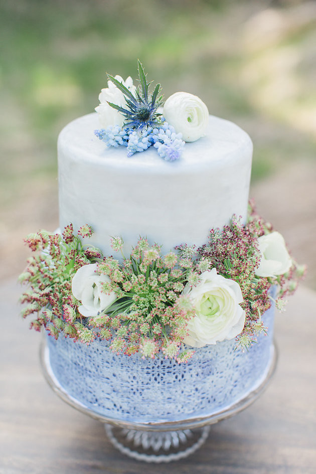 Best of 2015  The Most Glorious Wedding Cakes of the Year Unique Wedding Cakes   Best of 2015   Bridal Musings Wedding Blog 4