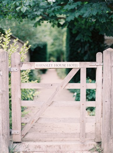 english-garden-wedding-by-depict-photograhy-and-jessie-thompson-weddings-events-9