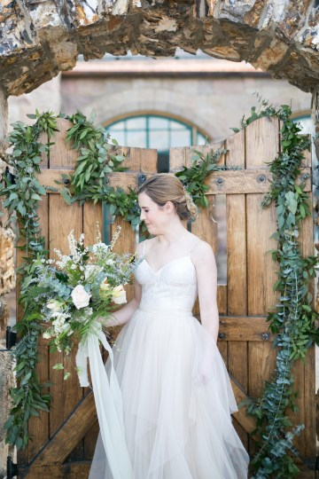 winter-wedding-inspiration-by-amy-caroline-photography-37