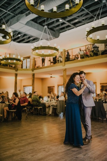 woodsy-summer-wedding-by-charis-rowland-photography-36