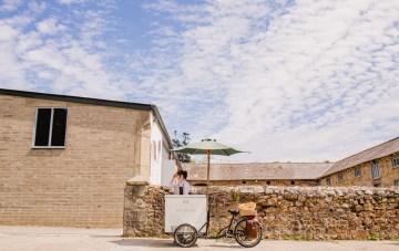 Barn Wedding in Ireland by Navyblur Photography 6