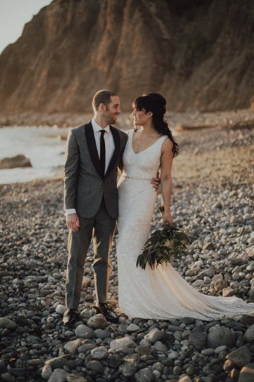 Gorgeous New Year's Eve Wedding by Logan Cole Photography and Seven Stems 30