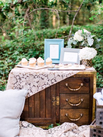 Woodland Wedding Inspiration by Molly Lichten Photography and Jamie Leigh Events 34