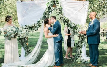 Romantic Barn Wedding with Gorgeous Style & Decor