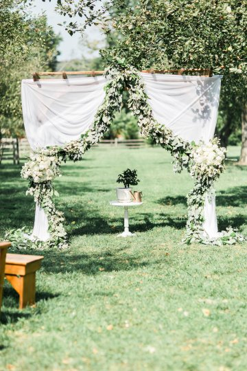 Romantic Floral Wedding by Hay Alexandra and Geomyra Lewis Wedding and Events 9