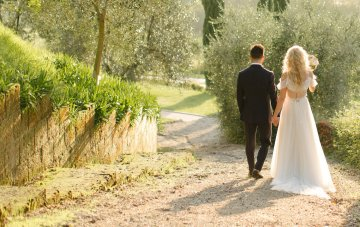 Should You Throw A Destination Wedding? A Guide To Help Decide