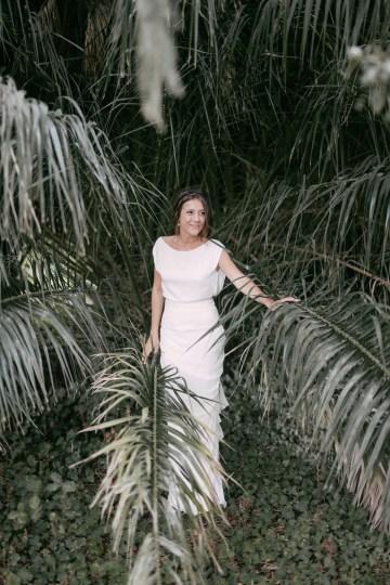 Cool Spanish Wedding by Sara Lobla and La Puta Suegra 37