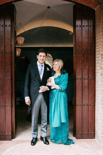 Cool Spanish Wedding by Sara Lobla and La Puta Suegra 5