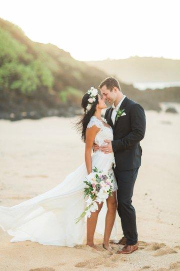 Hawaii Elopement by Modern Elopement and Sea Light Studios 77