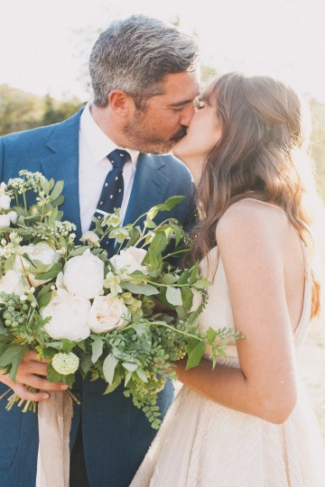 Modern Farmhouse Wedding Inspiration by Alexandra Wallace and A Lovely Creative 25