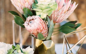 Contemporary Winter Wedding Inspiration by Rachel Havel and BluebirdProductions 30