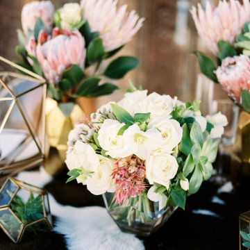 Contemporary Winter Wedding Inspiration by Rachel Havel and BluebirdProductions 32