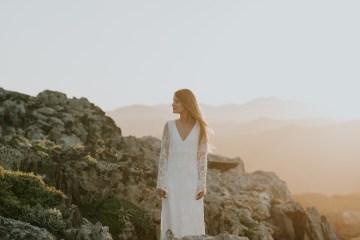 Free-Spirited & Panoramic Boho Wedding Inspiration | Sara Cuadrado and El Ramo Volador 15