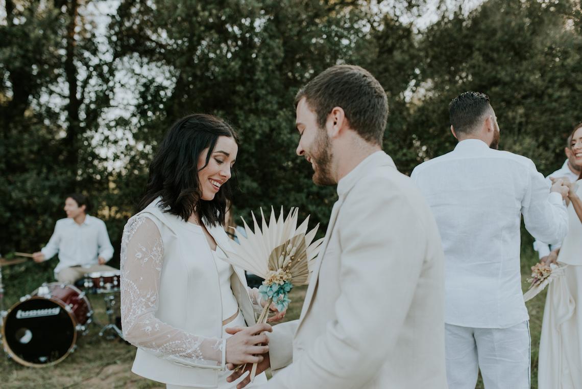 Free-Spirited & Panoramic Boho Wedding Inspiration   Sara Cuadrado and El Ramo Volador 32
