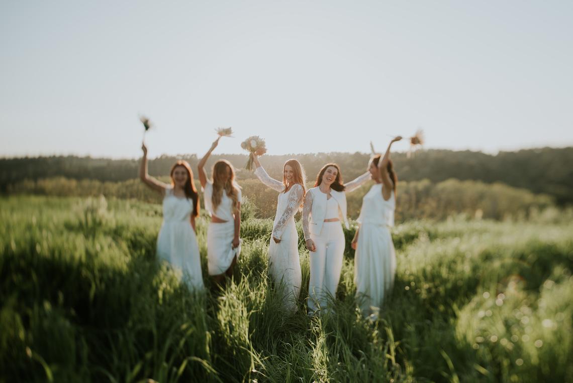 Free-Spirited & Panoramic Boho Wedding Inspiration   Sara Cuadrado and El Ramo Volador 40