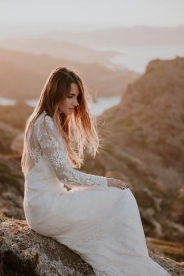 Free-Spirited & Panoramic Boho Wedding Inspiration | Sara Cuadrado and El Ramo Volador 62