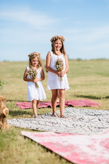 Fun, Scenic, Lakeside Wedding with Dried Floral Bouquets | Studio 1208 29