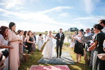 Fun, Scenic, Lakeside Wedding with Dried Floral Bouquets | Studio 1208 3