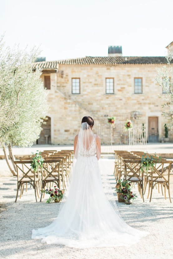 Romantic Gold, Grey and Berry Vineyard Wedding Inspiration | Jenny Quicksall & An Enlightened Event 44