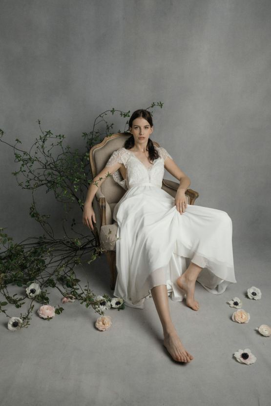 Modern Minimalist Styled Shoot Featuring Gowns For The Natural Bride | Cinzia Bruschini 20