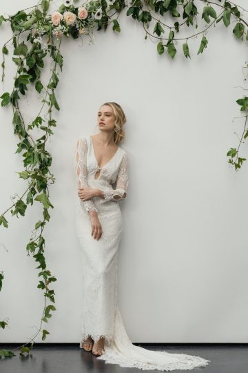 Modern Minimalist Styled Shoot Featuring Gowns For The Natural Bride | Cinzia Bruschini 26