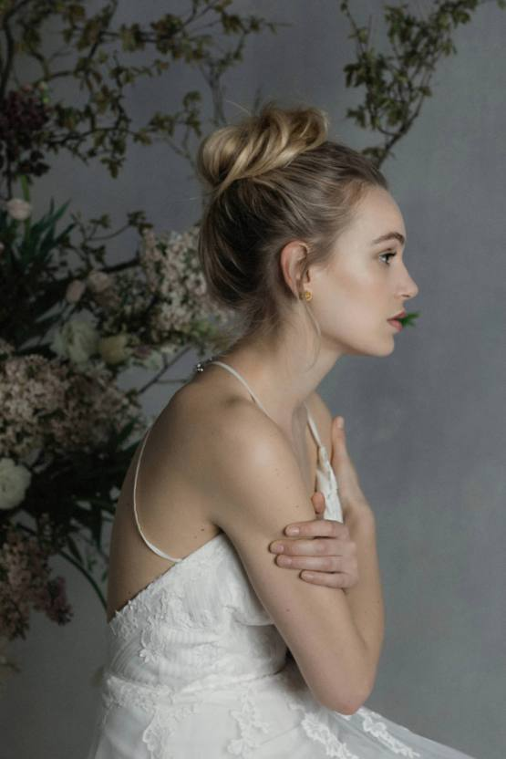 Modern Minimalist Styled Shoot Featuring Gowns For The Natural Bride | Cinzia Bruschini 54