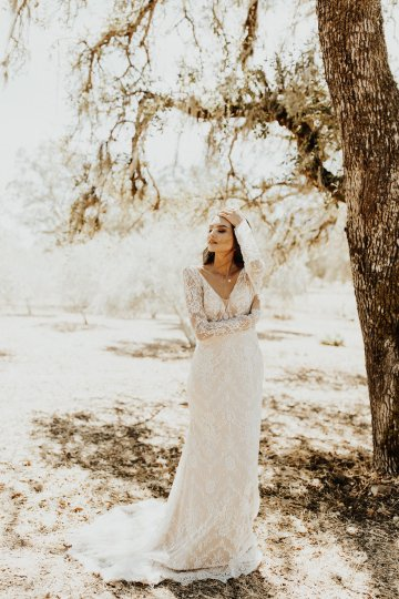 The Luxurious & Bohemian Ember Dusk Spring 2018 Collection from Tara Lauren | Anni Graham 18