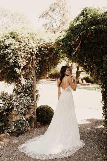 The Luxurious & Bohemian Ember Dusk Spring 2018 Collection from Tara Lauren | Anni Graham 24