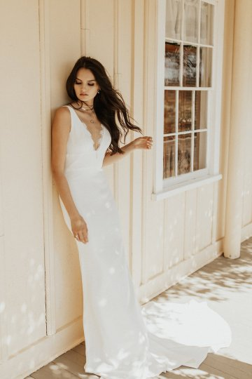 The Luxurious & Bohemian Ember Dusk Spring 2018 Collection from Tara Lauren | Anni Graham 26