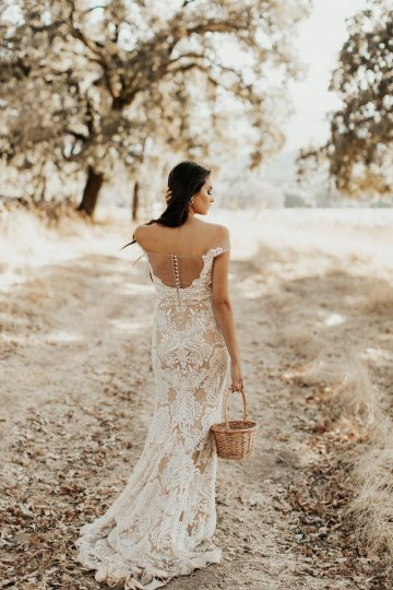 The Luxurious & Bohemian Ember Dusk Spring 2018 Collection from Tara Lauren | Anni Graham 30